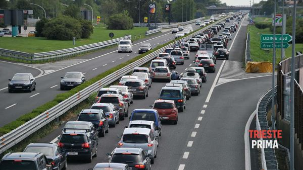 A4, traffico intenso nel weekend del Corpus Domini