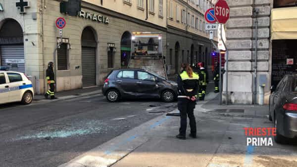 Incidente davanti alla Sinagoga: il VIDEO dell'intervento dei Vigili del Fuoco