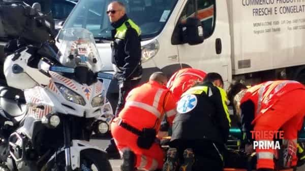 Incidente a Valmaura: motociclista all'ospedale