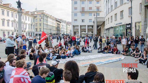 """""""La Buona Scuola"""":  sabato 24 ottobre sit-in di protesta dei sindacati in piazza Unità"""