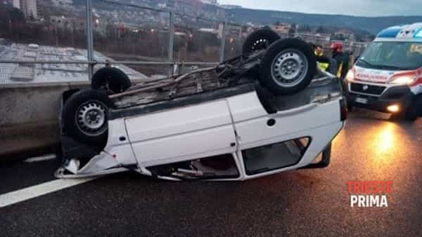 Incidente in Gvt, auto cappottata e una donna ferita (FOTO)