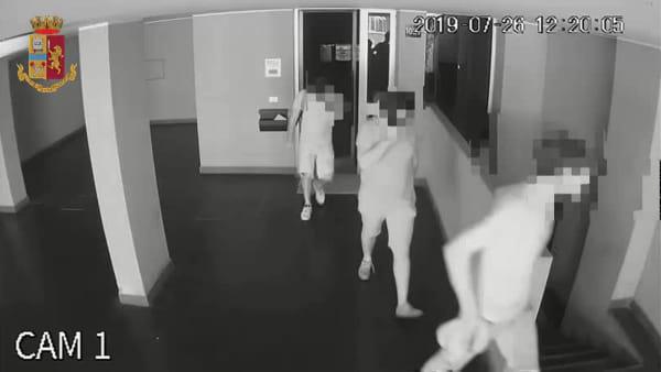 "Arrestati due ""topi d'appartamento"": refurtiva da 133mila euro (VIDEO)"