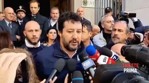 """Poliziotti uccisi, Salvini: """"Manette a tutti i sospettati in questura"""""""