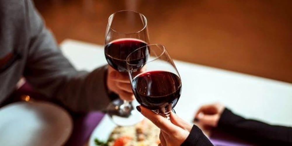 Bere Un Bicchiere Di Vino Rosso Al Giorno Un Piacere Che Fa Bene Alla Salute