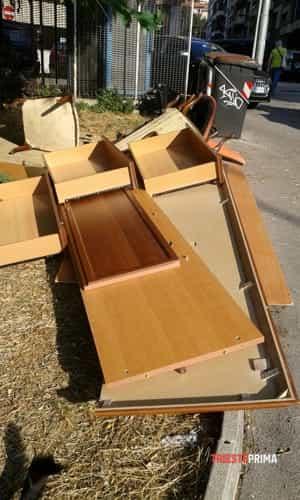 Degrado e rifiuti abbandonati in via broletto angolo via tacco-10