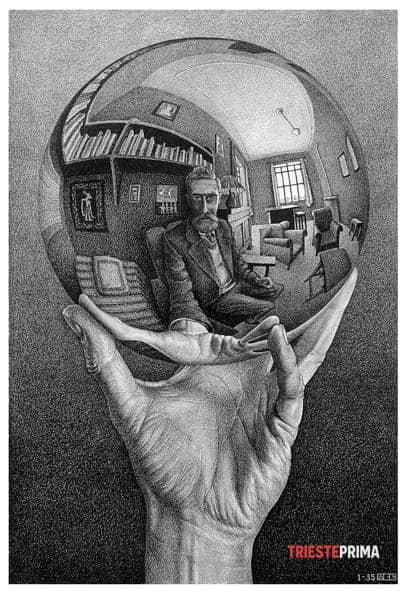 01_Mano con sfera riflettente-2